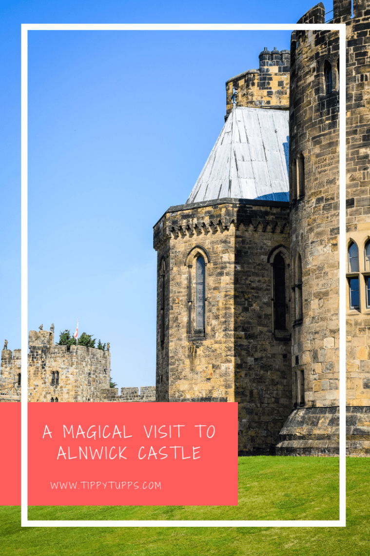 Alnwick castle is nothing short of stunning. As we followed the path up from Alnwick Gardens, it made a spectacular sight. What made it even more special was we went in Wizarding Week - think wands, magic, Harry Potter and Dumbledore!
