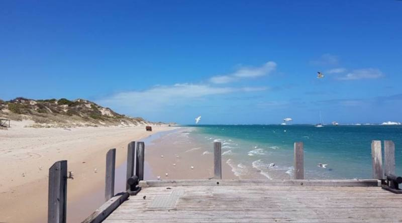Spiaggia di Port Gregory, piccolo villaggio vicino al Pink Lake (Hutt Lagoon), il lago rosa di Port Gregory in Western Australia