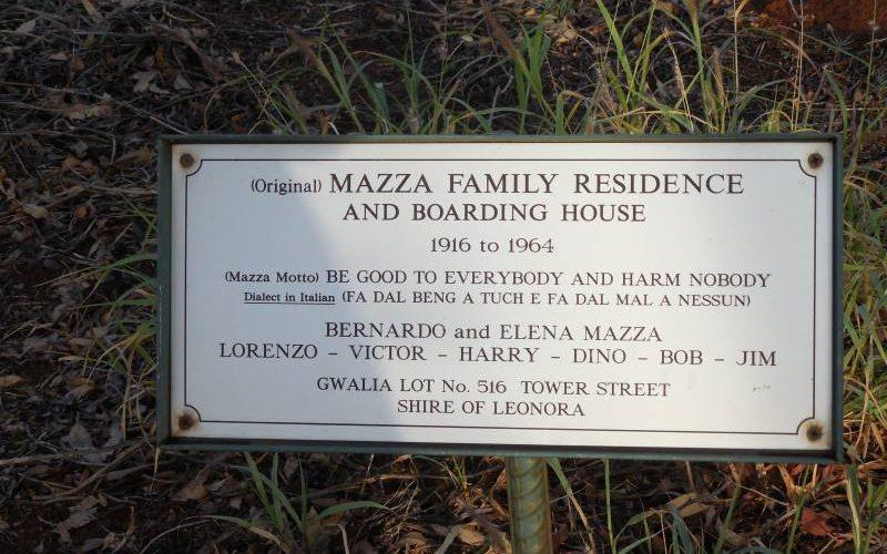 Famiglia italiana Mazza nella Ghost Town di Gwalia