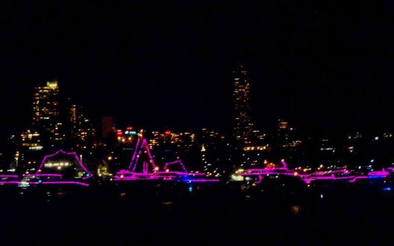 Barche a vela e Sydney illuminate per il Capodanno australiano più famoso