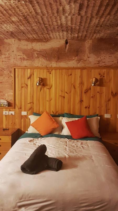 Camera da letto sotterranea nell'Hotel Comfort Inn Coober Pedy Experience in South Australia