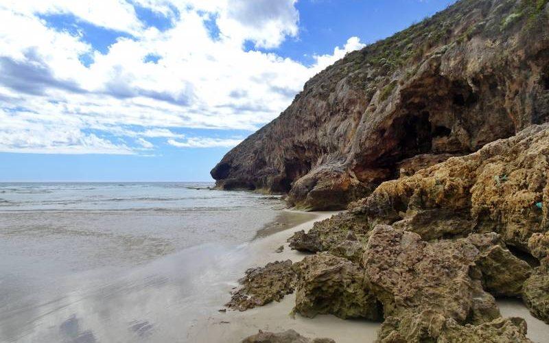 Vista oceano dalla spiaggia in fondo al trekking Ravine des Casoars su Kangaroo Island