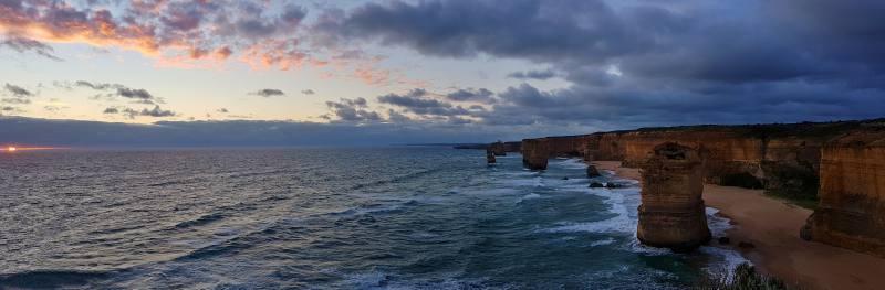 Tramonto con vista 12 Apostoli durante la Great Ocean Road in Australia