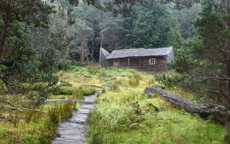 """Rifugio d'emergenza """"Du Cane Hut"""", il rifugio più longevo dell'Overland Track"""