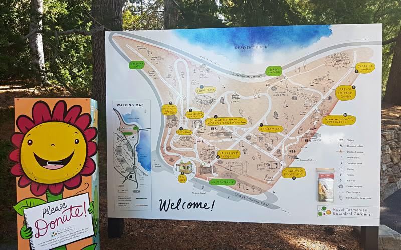 Entrata con mappa del giardino botanico di Hobart in Tasmania