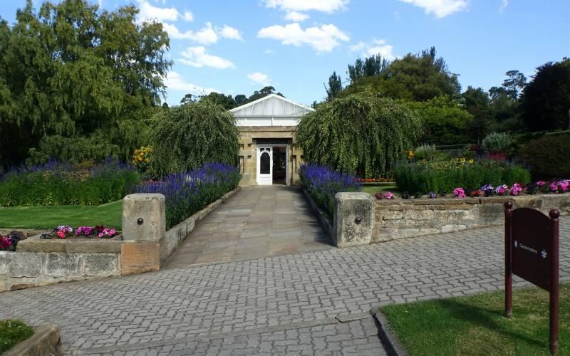 "La ""Glass House"" dentro i Giardini Botanici di Hobart in Tasmania"