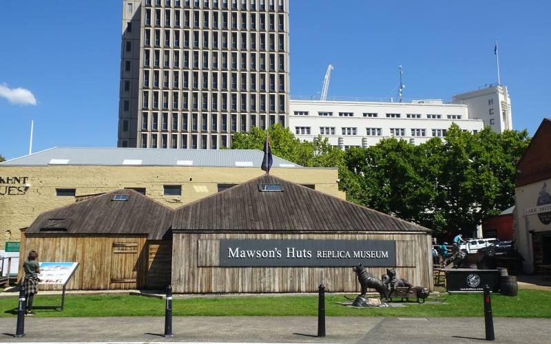 """Museo copia del rifugio antartico """"Mawson's Huts Replica Museum"""" nel centro di Hobart in Tasmania"""