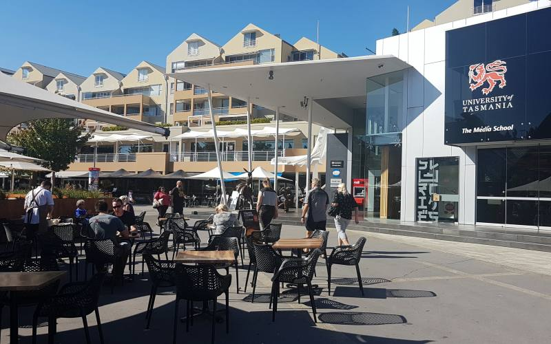 "Piazza ""Salamanca Square"" nel quartiere Salamanca di Hobart in Tasmania"