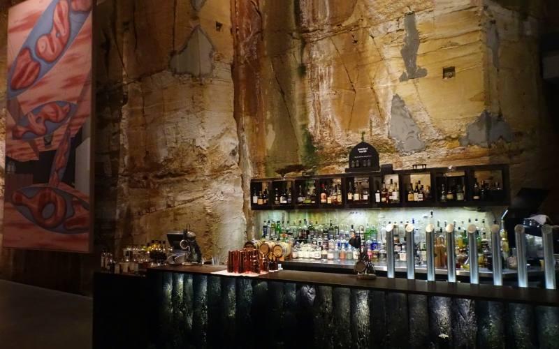 Bar interno nei sotterranei del MONA, il museo da vedere a Hobart in Tasmania