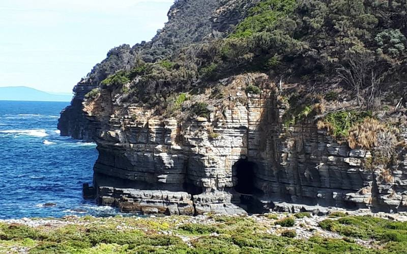 Tunnel Bay, la roccia scavata durante il percorso alla Tasman Peninsula