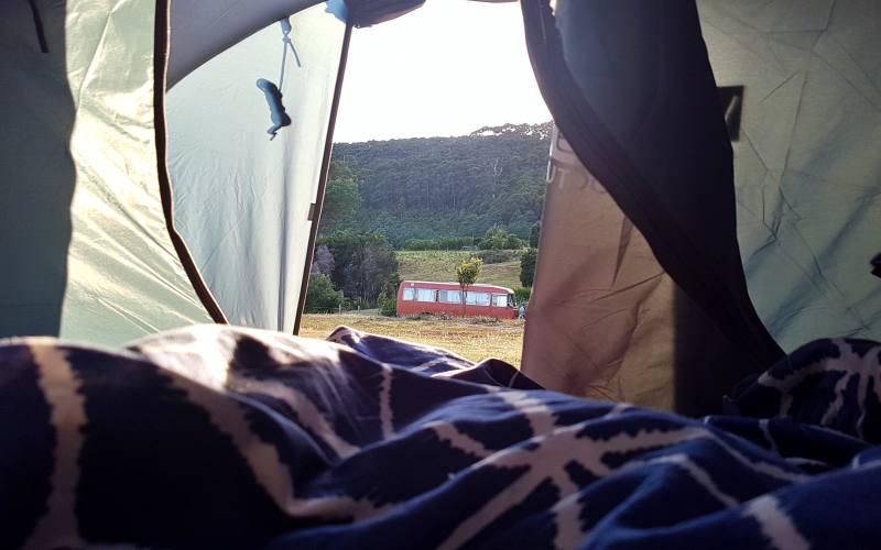"""Vista del campeggio """"Cape Raoul Campground"""" dalla nostra tenda nella Tasman Peninsula"""