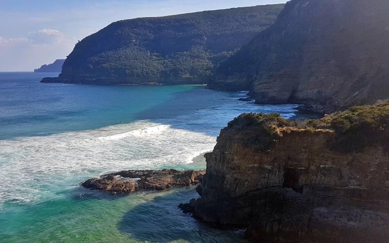 Punto panoramico durante il percorso Remarkable Cave con vista Cape Raoul nella Tasman Peninsula