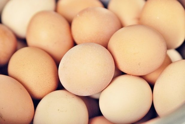 Egg white to lighten a pimple and acne marks
