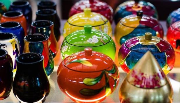 Tibetan Handicrafts And Wares