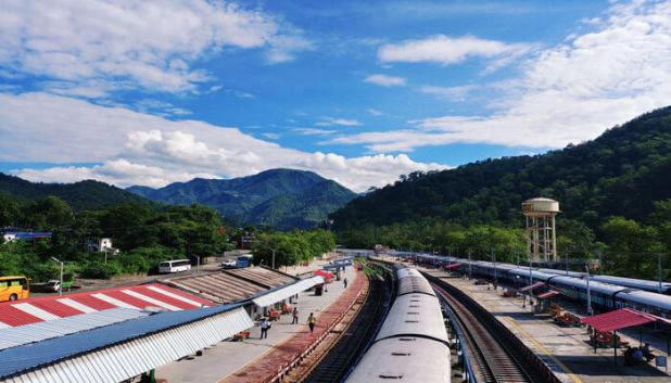 Trains from Delhi to Nainital