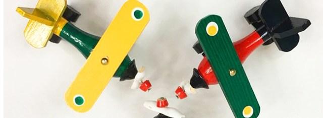 aviones de madera, juguete tradicional mexicano