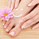 Five Natural Remedies for Cracked and Dry Feet