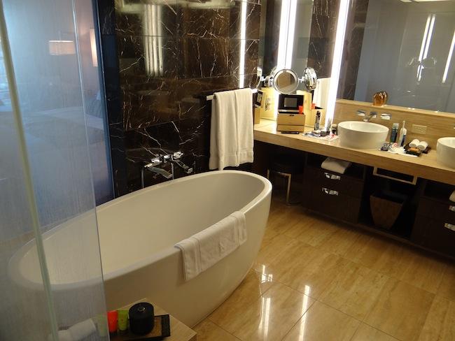 Mandarin Oriental Hotel Las Vegas Strip View Bathroom