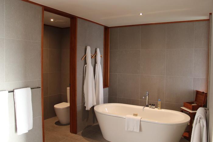 Qualia Resort Hamilton Island Pavillion 54 Bathroom