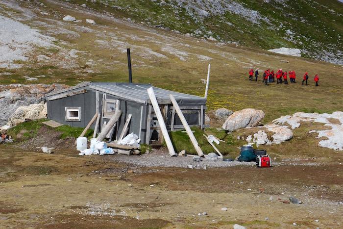 Hunter's Hut Gnalodden Svalbard