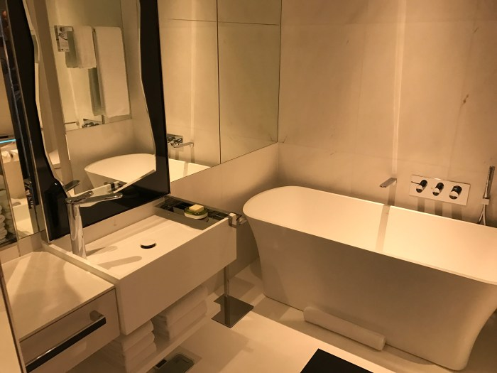JW Marriott South Beach Singapore Room 2110