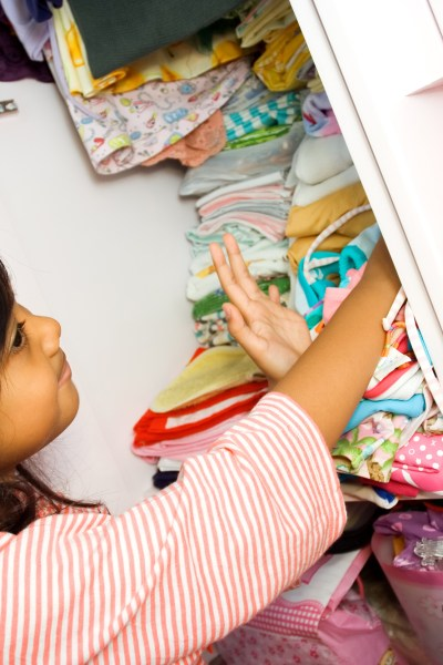 How To Organize Your Kids Closet & Keep it That Way