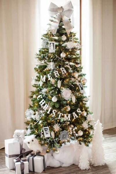 11 of the Best Christmas Tree Decorating Ideas