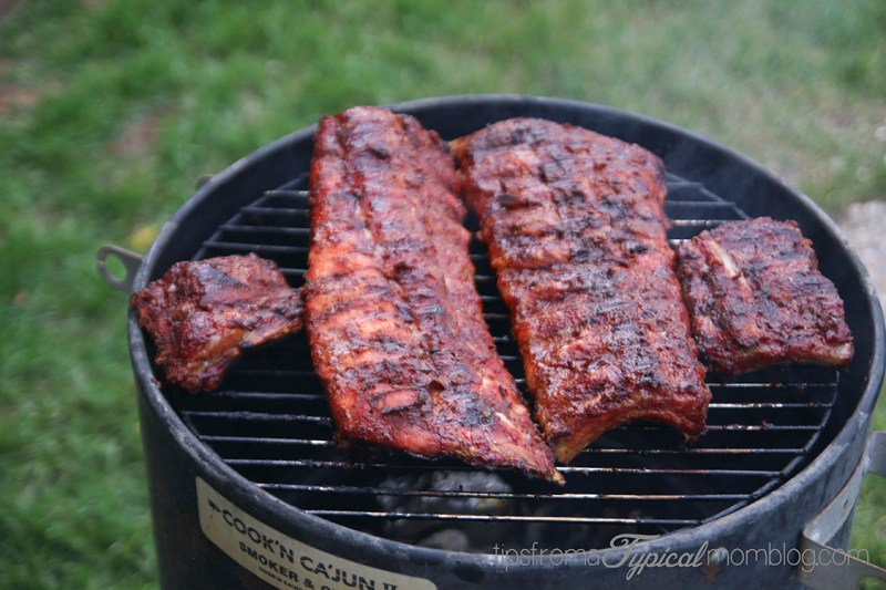How to cook ribs over charcoal