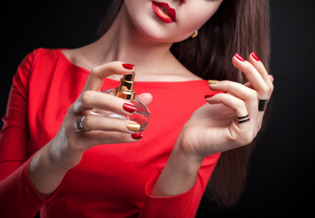Ladies, What is the Ideal Fragrance for the First Date?