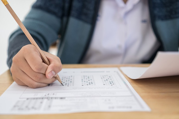 IELTS Writing Test: 15 Simple and Frequent Questions