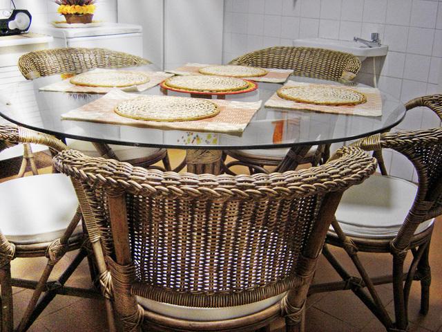 Ilustrasi Meja Dapur | Img:freeimages.com