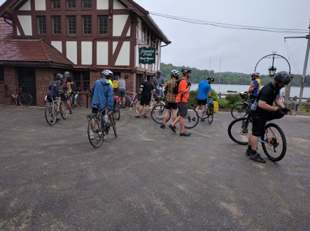 Drizzly start at the Jamaica Pond Boathouse (Photo: Adam Goodman)
