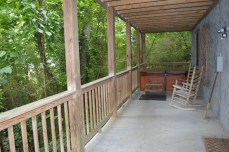 private hot tub in this townsend tn cabin