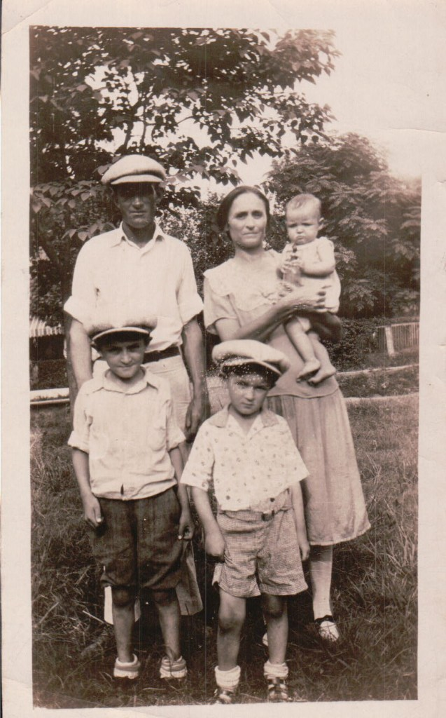 The Ruba Blankenship Family abt 1928-29 Ruba, Myrtle, Virgie, Chester and Malford