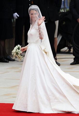 https://i2.wp.com/www.tiptoptens.com/wp-content/uploads/2011/04/catherine-kate-middleton-wedding-dress.jpg