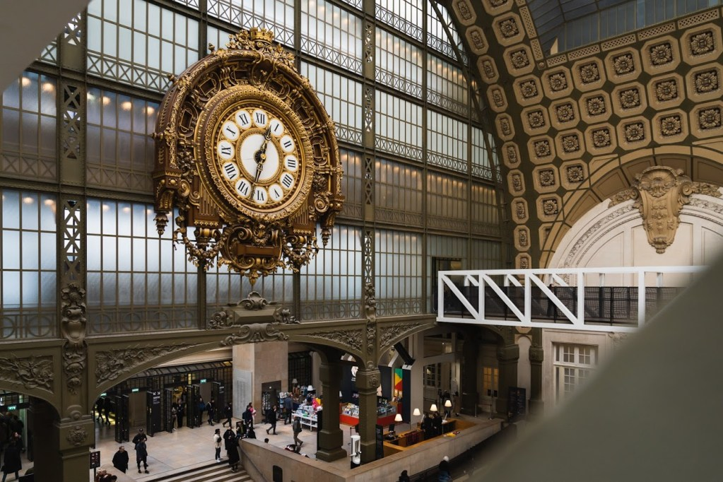 Clock at the Musée d'Orsay.