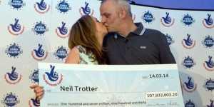 Voici le mécanicien qui a remporté les 130 millions de l'Euromillions