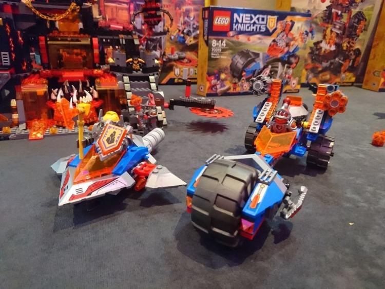 Nexo knights vehicles