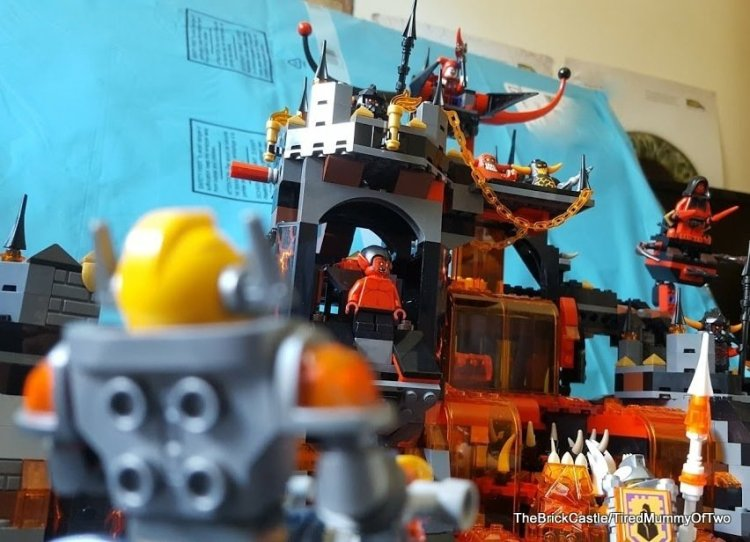 lego-nexo-knights-jestros-lair-review-close-up