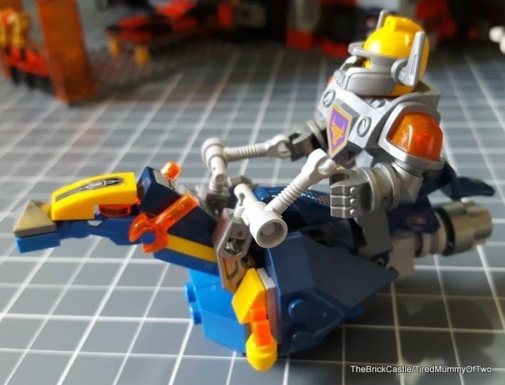 lego-nexo-knights-horse-steed-riding