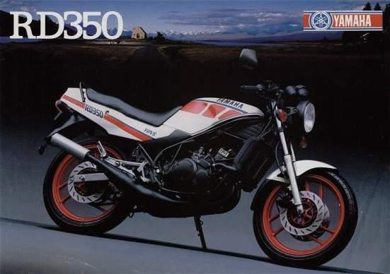 Foto de portada del catálogo de la RD 350 en color blanco con llantas rojas