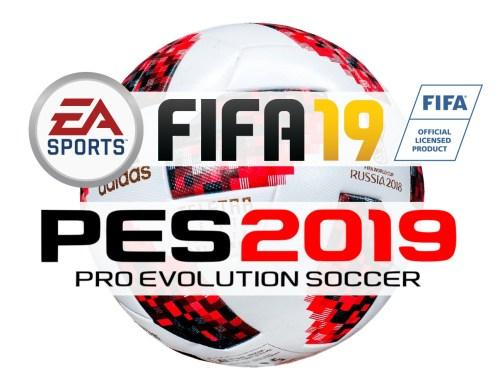 En la foto se ven los logotipo de los juegos de fútbol FIFA 19 y PES 2019 sobre el balón oficial de la FIFA