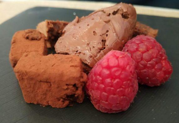 En la foto el proste que tomé de chocolate, trufa y mora