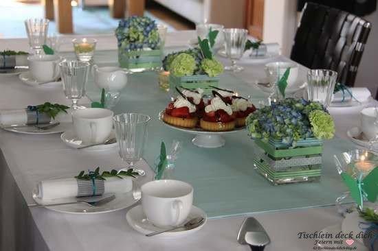 Tischdekoration sommerliche Tischdeko mit Erdbeerkuchen