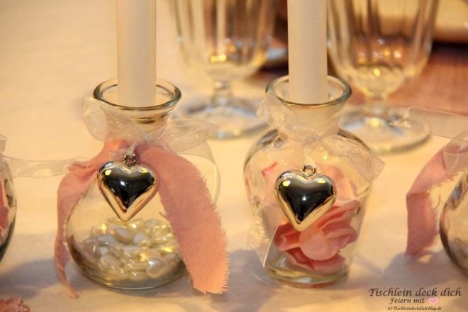 Tischdekoration-romantischer-Valentinstag
