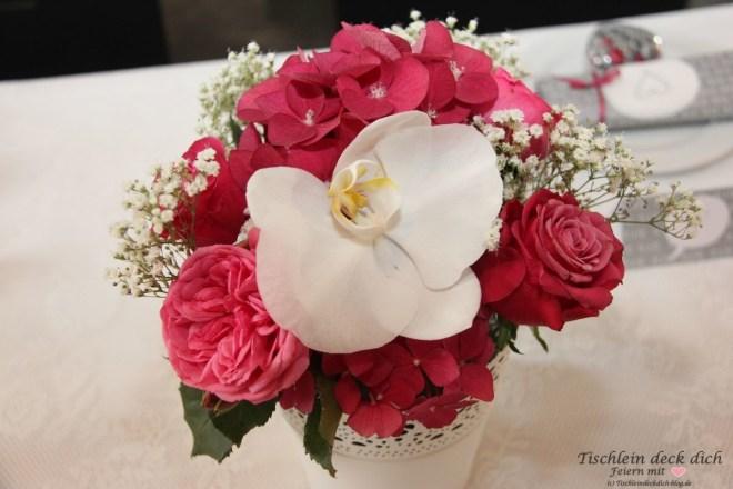 Standesamtliche Hochzeit Blumenschmuck mit Orchideen