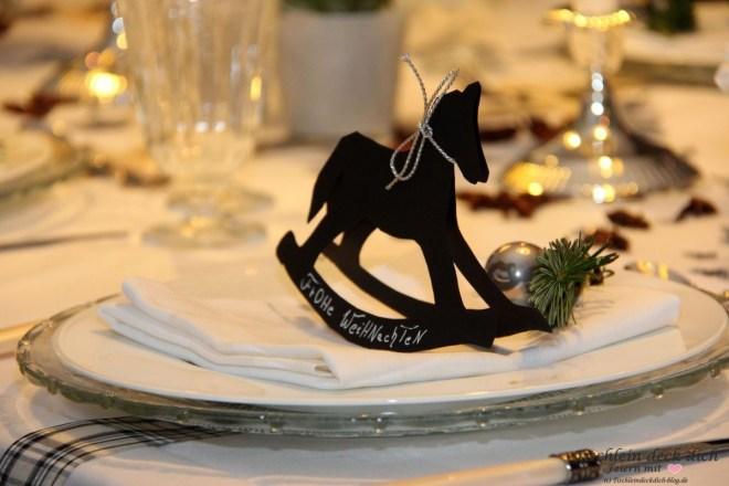 Amaryllis weihnachtliche Tischdekoration