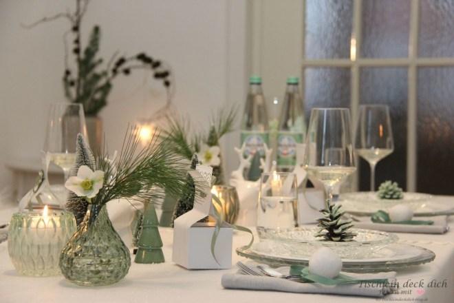 Scandi Style weihnachtliche Tischdekoration