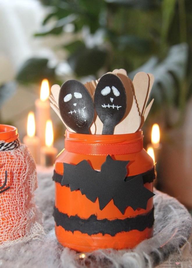 Halloween Dekoration für das Buffet