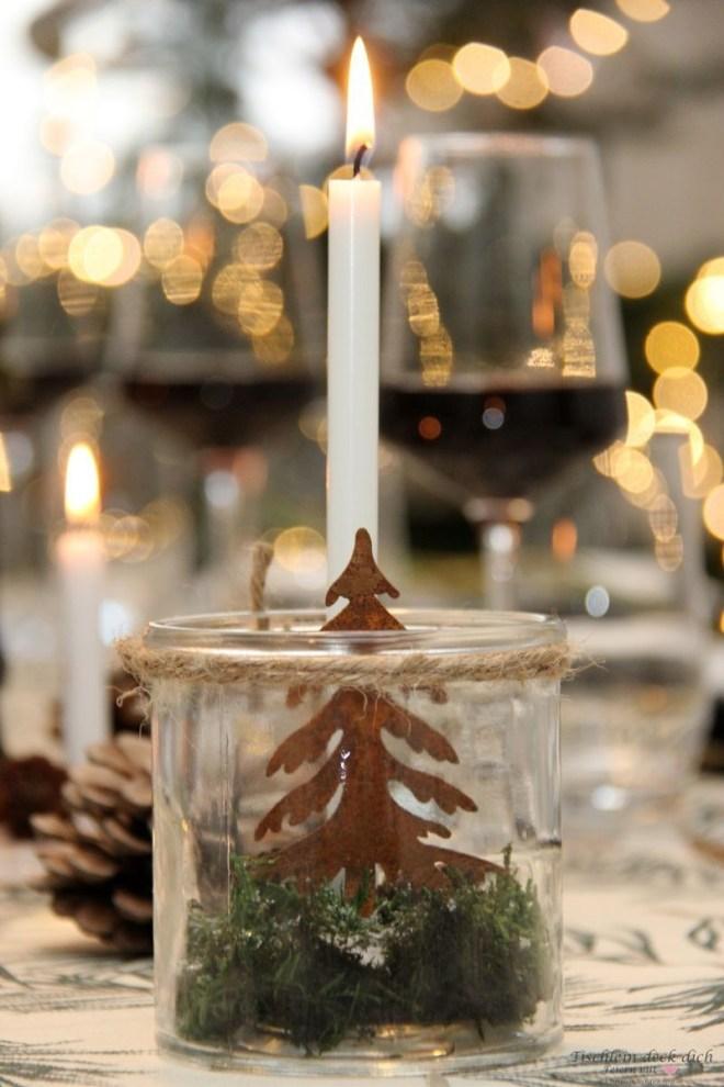 festliche-rustikale-Tischdeko-zu-Weihnachten